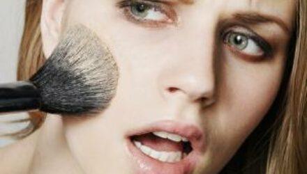 Раскрыты разрушающие красоту привычки женщин