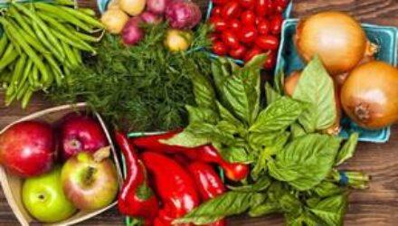 Диетологи назвали суточную норму фруктов и овощей