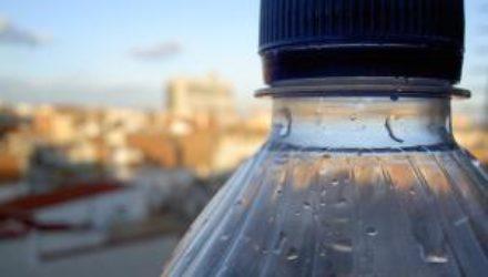 Получены новые данные об опасности пластиковых бутылок