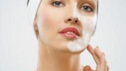 Как правильно ухаживать за кожей в холодное время: советы косметологов
