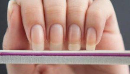 Не рвите когти: как снять гелевые ногти без ущерба для здоровья