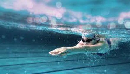 Вода против калорий: как плавание помогает сбрасывать вес