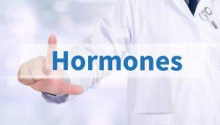 Это главный виновник увеличения веса, выпадения волос, потливости, боли в суставах, усталости и бессонницы!