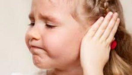 Что делать, когда ухо болит у ребенка?